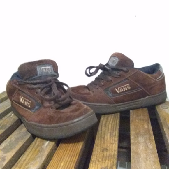 Vans Vintage 90s Style Churchill Skate Shoes Men 9